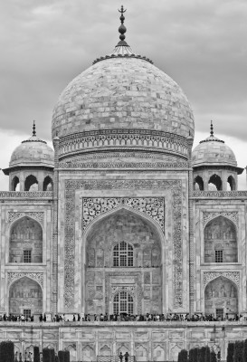 The intricate details on the Taj Mahal